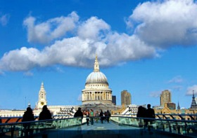 ロンドンの歴史と現代文化に触れる!!ロンドン1日ツアー