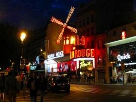パリのイルミネーション +ムーランルージュのスペクタクル・ショー