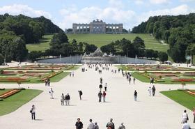 【みゅう】ウィーン市内とシェーンブルン宮殿半日観光(午前) 日本語ガイド付き