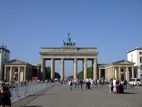 ベルリン探訪 よくばり午前ウォーキングツアー【日本語ガイド付き/ みゅう】