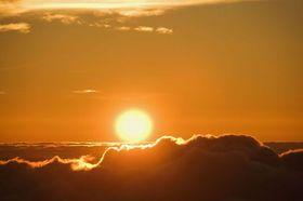 幻想的なハレアカラの日の出