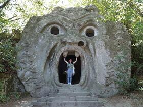 天空のチヴィタ、怪物公園、丘の町オルヴィエートめぐり1日ツアー [日本語ガイド]