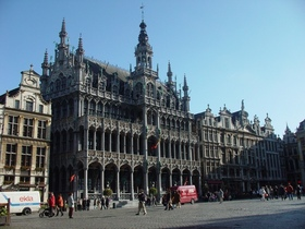 ブリュッセル+アントワープ市内観光 コンビネーションツアー 英語ガイド