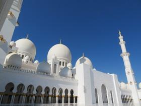 [日本人ガイド] 大人気!アラブ首長国連邦の首都を訪れる!!アブダビ1日観光 【2019年10月までの催行】