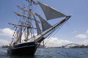 帆船で楽しむ!シドニーハーバーディスカバリークルーズ[午後発]