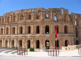 チュニジア中部の世界遺産観光 目的地が選べる! ケロアン、スース、エルジェム[チュニス発/1日/英語/昼食付/専用車]