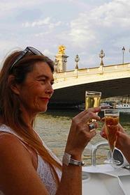シャンパン付セーヌ川1時間クルーズ