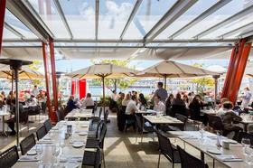 ニックス バー&グリル(レストランミールクーポンまたは席のみの予約)