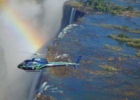 ヴィクトリアの滝ヘリコプター遊覧飛行 15分間【ヴィクトリアフォールズ発/英語ガイド】
