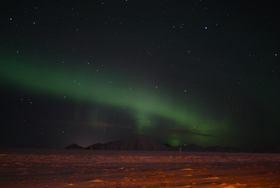 アイスランドでオーロラ鑑賞 5日間 [航空券・オーロラツアー・宿3泊] トロント発