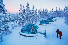 フィンランドで宿からオーロラ鑑賞 4日間 [行き列車・帰り航空券 + ロヴァニエミ&サーリセルカのガラスイグルーに各1泊寝台列車で宿1泊] ヘルシンキ発