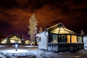 フィンランドで宿からオーロラ鑑賞 5日間 [行き列車・帰り航空券 + 極寒川くだり・ガラスイグルー1泊・ロッジ2泊] ヘルシンキ発