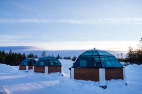 北極スノーホテル&ガラスイグルー【ロヴァニエミ空港送迎付き / 11月下旬~3月】