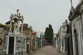 レコレータ墓地を訪れるツアー