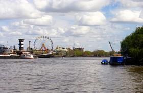 デルタの街ティグレとパラナ川ボート半日ツアー