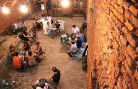 歴史地区サンテルモでアルゼンチングルメを満喫しよう!