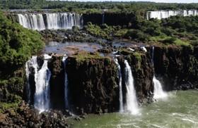 ブラジル側イグアスの滝1日ツアー