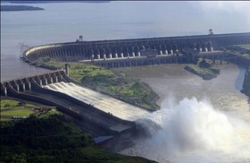 ブラジル側イグアスの滝とイタイプダム見学!
