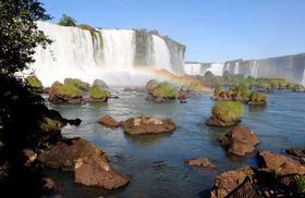 イグアスの滝2泊3日パッケージ【ブエノスアイレス発サンパウロで終了/航空券+プエルトイグアス2泊+ツアー/英語ガイド】