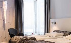 アイスホテル ウォームルーム 宿泊【暖かい部屋1泊+往復空港送迎】