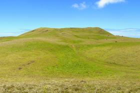 イースター島最高峰 テレベカ山トレッキング