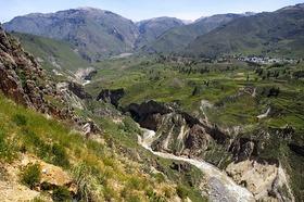 コルカ渓谷1日ツアー