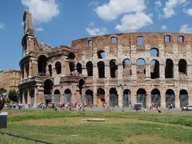 【元旦限定】ローマ市内午前観光ツアー(お正月ランチセット・乾杯付)
