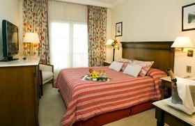 ハワードジョンソンホテル 7月9日通り 宿泊予約