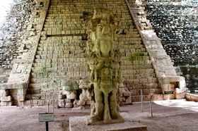 ホンジュラスのマヤ文明遺跡 コパン遺跡1日ツアー【グアテマラシティ発】