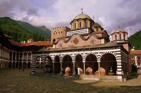 2大世界遺産の「リラ修道院」と「ボヤナ教会」へ【ソフィア発】