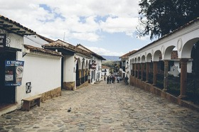 コロニアル調の街 「ビジャ・デ・レイバ」を訪れるツアー【ボゴタ発】