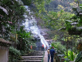 世界遺産の熱帯雨林「チジュカ国立公園」を歩く