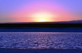 チリの死海「セヤス湖」と「テビンキチェ塩湖」半日ツアー【サン・ペドロ・デ・アタカマ発】