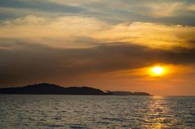 ラヤ島サンセットツアー