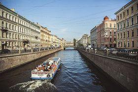 サンクトペテルブルク運河ボート遊覧【ホテル送迎付き / 英語ガイド】