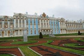 郊外の見所を1日で!エカテリーナ宮殿(琥珀の間入場付き)&パブロフスク宮殿【日本語ガイド / 専用車】