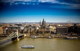 ウィーン発 隣国ハンガリーの首都 ブダペストを訪れる1日【英語ガイド / 混載】