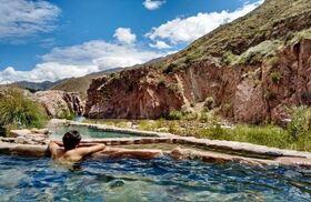 地元で大人気の温泉スパ「テルマス・デ・カチェウタ」でリラックス