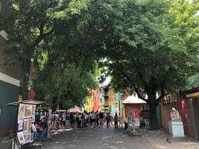 日本人ガイドとブエノスアイレスの見どころを網羅!公共機関を使った1日徒歩ツアー【プライベート / エルアテネオ解散可能】