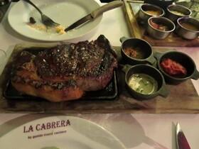 ブエノスアイレスで一番有名なステーキハウス/La Cabrera 席予約