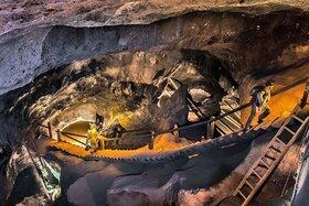 公共バスで行く! 世界遺産 ヴィエリチカ岩塩坑 とクラクフ旧市街 一日ツアー【日本語アシスタント】