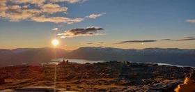 深夜のハイキングで真夜中の太陽を眺める!【アビスコ発】