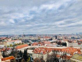ウィーン発 列車で行く! 隣国チェコの首都 プラハを訪れる1泊2日【往復列車チケット / 宿泊】