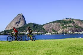 自転車で巡る!シュガーローフとオリンピックブルーバード散策【英語ガイド】