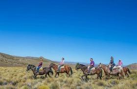 ガウチョ体験!半日乗馬体験とアルゼンチンバーベキュー【英語ガイド】