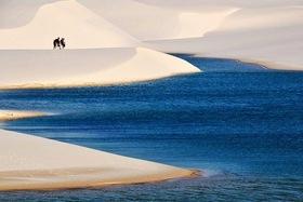 真っ白な砂丘と青い湖!レンソイス国立公園4泊5日パッケージ 【サンパウロ発着/ 航空券+サンルイス2泊+バヘイリーニャス2泊+現地ツアー/ 英語ガイド】