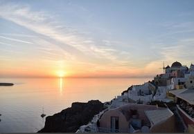 ヨーロッパの最高リゾート地を周遊! サントリーニ島とミコノス島 5日間【ロンドン発 / 往復フライト / 宿泊】