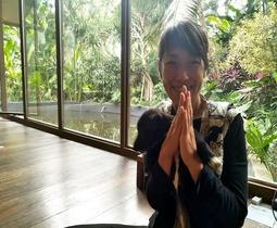 バリ島のヨガスタジオ「ヨガバーン」日本人講師マリカ先生によるヨガクラス!【オンライン体験/Zoom利用 】