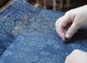 伝統工芸品から文化を学ぶ!奄美大島紬の生産工場見学!【奄美大島龍郷町】
