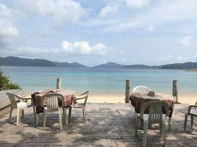 マリンブルーカケロマ宿泊予約!目の前にスリ浜が広がる好立地のペンション【加計呂麻島】